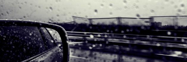 Greseli comise de soferi la volan cand ploua